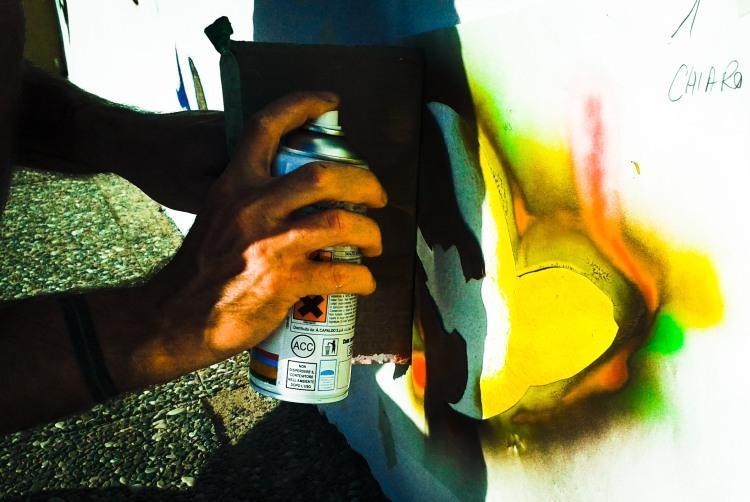 Street artist Giacomo Bettega