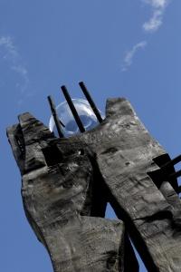 la sfera di cristallo del Totem di Sandro Scalet a RESPIRART foto di  Eugenio Del Pero