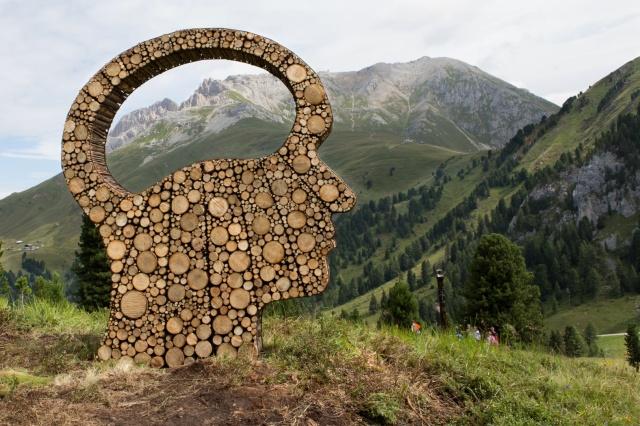 Mind eye di Olga Ziemska Parco d'arte RespirArt 2015 foto Eugenio Del Pero Latemar Dolomites