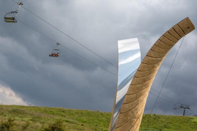 OUVERTURE specchia le energie sottili che regolano la vita - Installazione d'arte di Aldo Pallaro nel Parco d'Arte RespirArt Pampeago LATEMAR Dolomiti Trentino PH Eugenio Del Pero