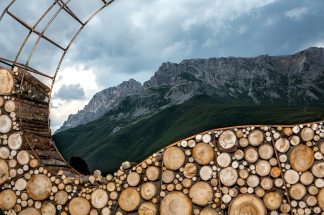 work in progress Olga Ziemska installation RespirArt 2015 Latemat Dolomites ph Eugenio Del Pero