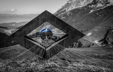 Vedo non vedo di Luca Prosser Parco d'arte RespirArt 2016 foto Eugenio Del Pero