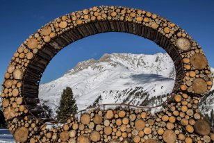 RespirArt Art installation Mind's Eye by OLGA ZIEMSKA foto Eugenio Del Pero Pista Agnello Pampeago SKI CENTER LATEMAR